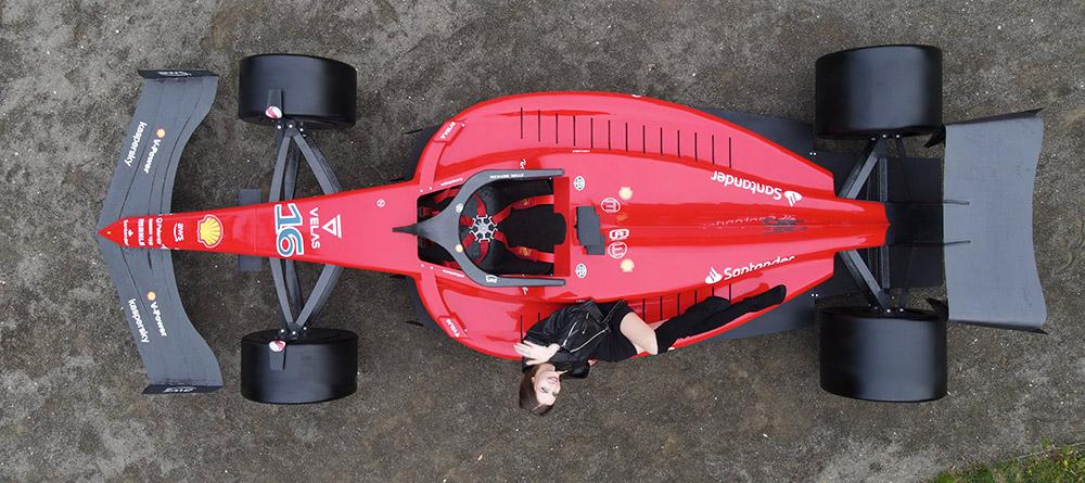 F Simulator And Show Car Services With Formula Replica Body - F1 show car